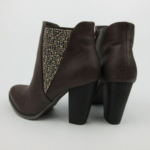 Olivia Miller Womens Size 7.5 & 8 Studded Booties